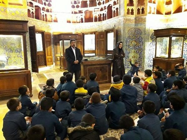 تدارک برنامه های آموزشی صیانت از آثار تاریخی اردبیل ویژه دانش آموزان