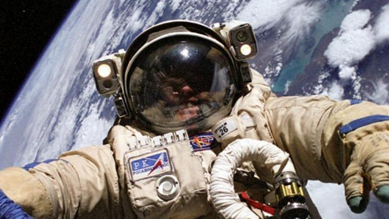 روسیه فضانوردانش را مسلح می کند
