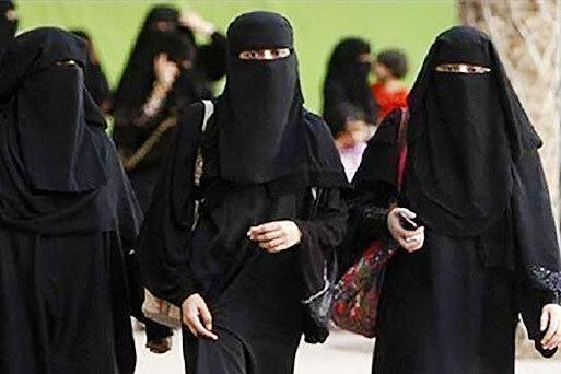 جنجال در عربستان؛ برقع هایتان را بسوزانید