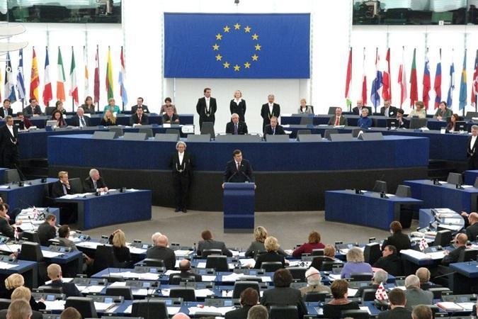اتحادیه اروپا خواهان خویشتنداری طرف های درگیر در لیبی شد