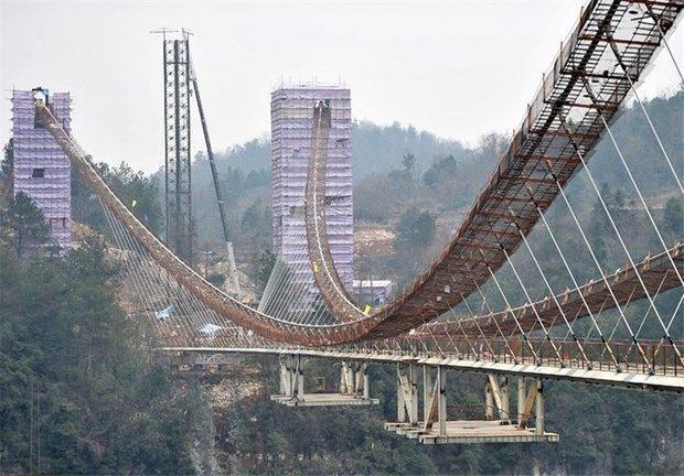مراحل ساخت طولانی ترین پل شیشه ای دنیا