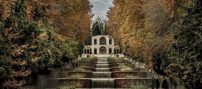 درختان تاریخی باغ شاهزاده ماهان شناسنامه دار می شوند