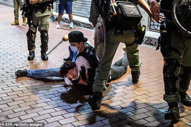 شروع دوباره اعتراضات ضددولتی در هنگ کنگ، بازداشت بیش از 200 معترض
