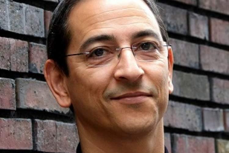 نویسنده مراکشی برنده جایزه اورنج افریقا شد