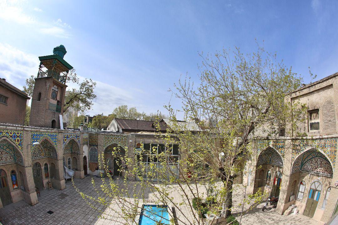 بازسازی مسجد و ساعت تاریخی مشیرالسلطنه تا یک ماه آینده شروع می گردد