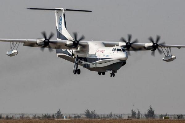 AG600 عظیم ترین هواپیمای دوزیست دنیا