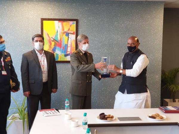 وزیر دفاع جمهوری اسلامی ایران با وزیر دفاع هند ملاقات و تبادل نظر کرد