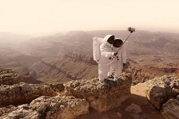 انسان در راه فضا
