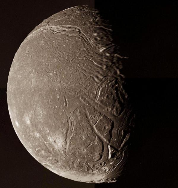 قمر های اورانوس؛ جایی برای زندگی؟!