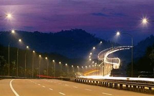 صرفه جویی 25 درصدی انرژی با تعویض چراغ های بزرگراه ها