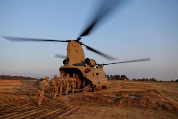 کاهش نظامیان آمریکا در عراق و افغانستان به 2500 سرباز