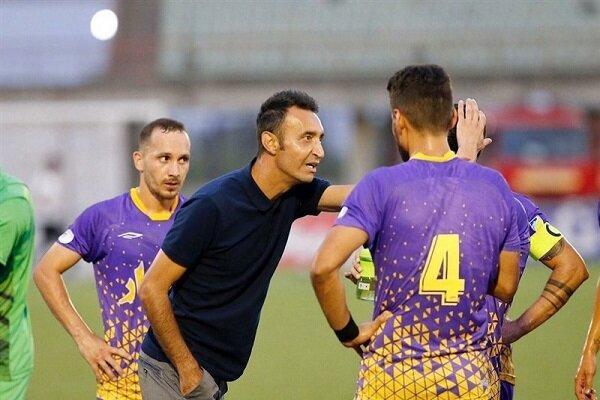 شکست سنگین صدرنشین مقابل تیم پایین جدولی و توقف دو مدعی در شیراز