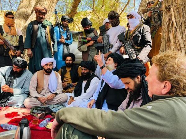 (عکس) ماجرای طالبان و یک تیم پرطرفدار
