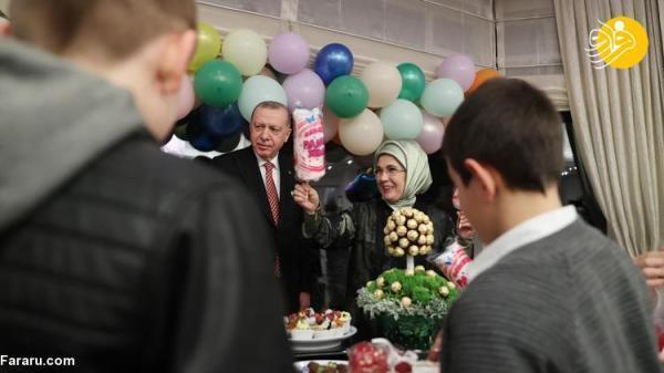 (تصاویر) افطاری اردوغان و همسرش با بچه ها