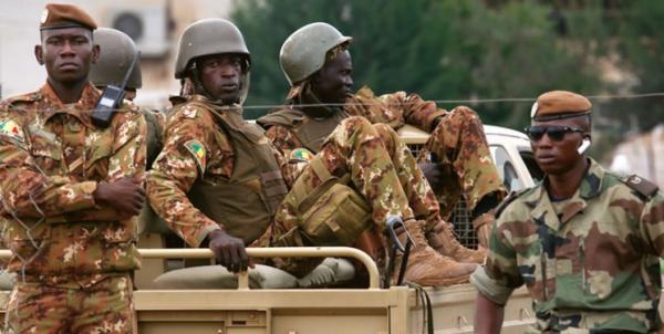 کودتای نظامی در اقتصادی، نخست وزیر و رئیس جمهور دستگیر شدند